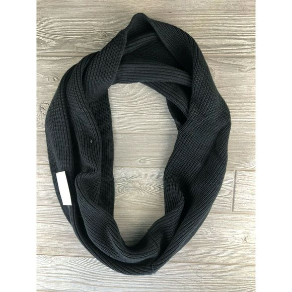Under Armour Accessories - UNDER ARMOUR KNIT SCARF Women's Infinity Scarf